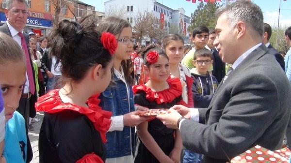Kağızman'da 23 Nisan kutlamaları 2