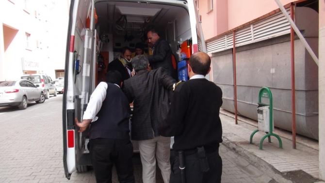 Kars Valisinin Makam Aracı Ambulansla Çarpıştı 10