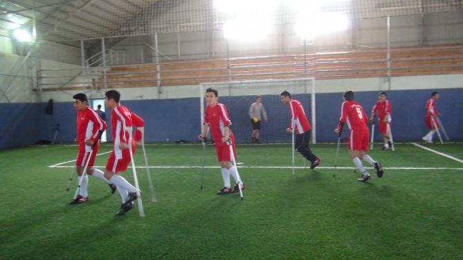 Engellilerle Empati İçin Koltuk Değnekli Maç 2