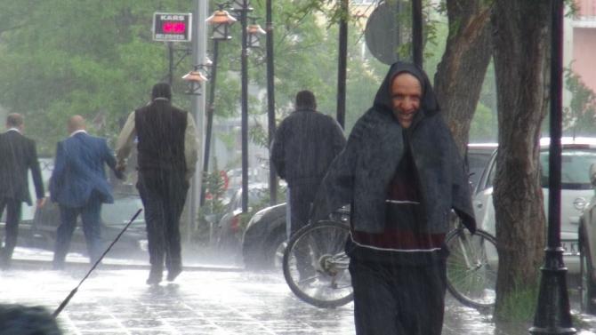 Yağmur Bastırınca Cemaat Camiden Çıkamadı 1