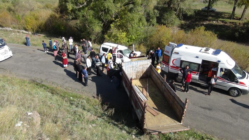 Kars'ta Trafik Kazası 6 Yaralı 10