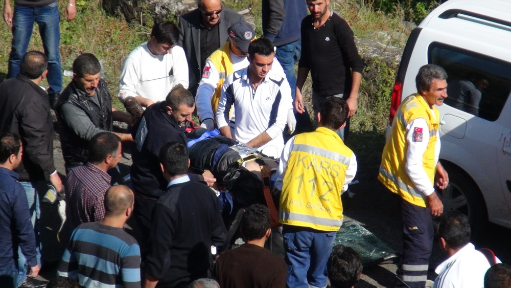 Kars'ta Trafik Kazası 6 Yaralı 12