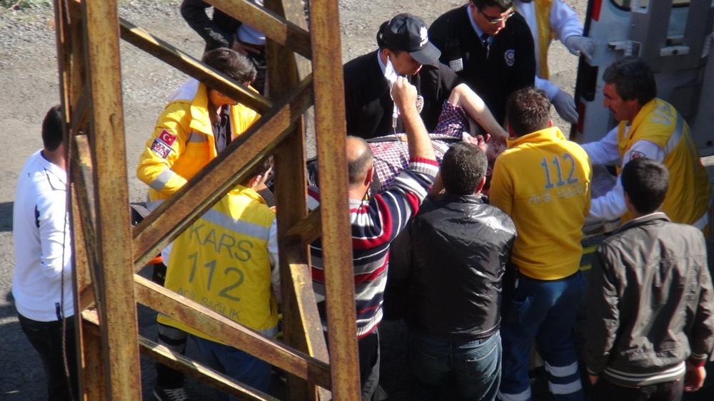 Kars'ta Trafik Kazası 6 Yaralı 14