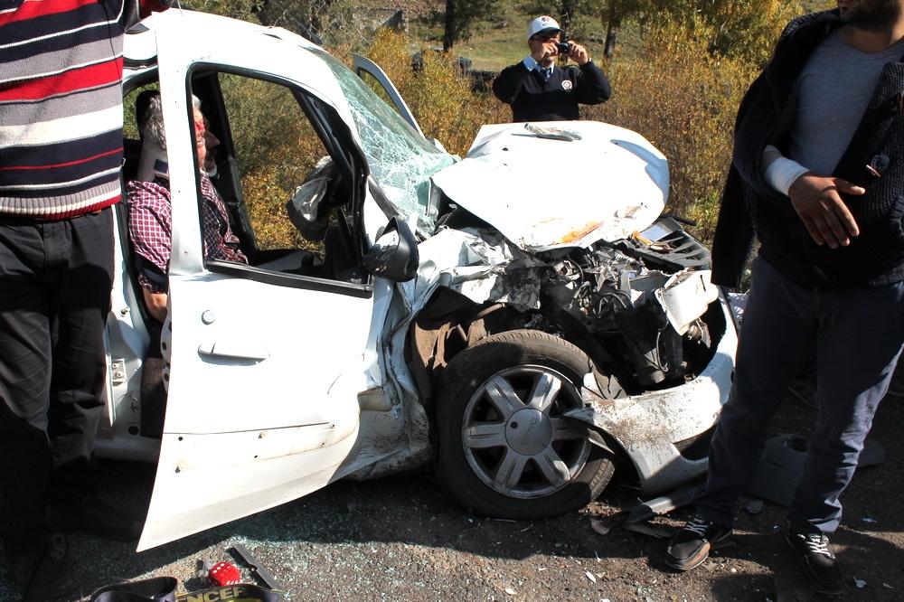 Kars'ta Trafik Kazası 6 Yaralı 3