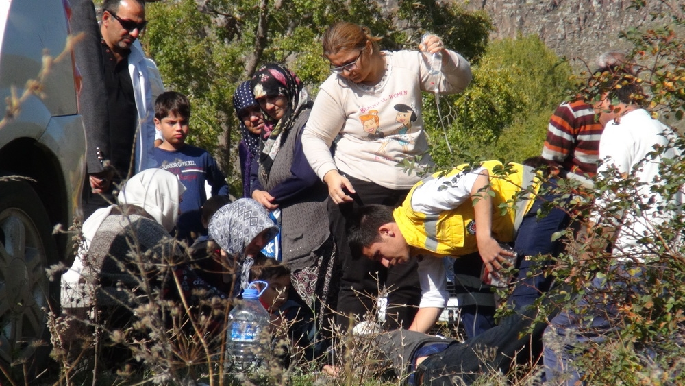 Kars'ta Trafik Kazası 6 Yaralı 8