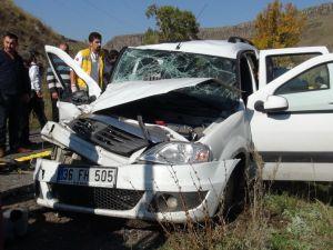 Kars'ta Trafik Kazası 6 Yaralı