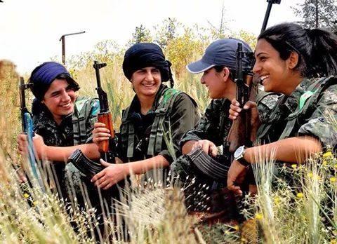 IŞİD'le Savaşan Kadınlar 11