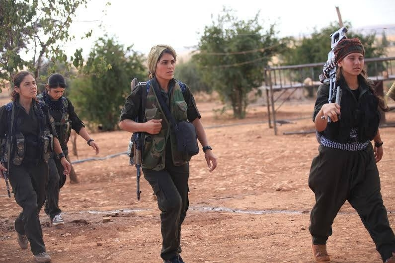 IŞİD'le Savaşan Kadınlar 14