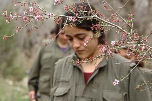 IŞİD'le Savaşan Kadınlar 16