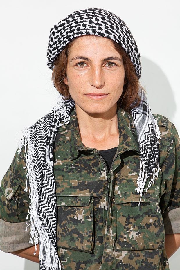 IŞİD'le Savaşan Kadınlar 19