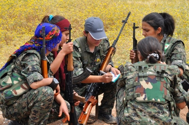 IŞİD'le Savaşan Kadınlar 24