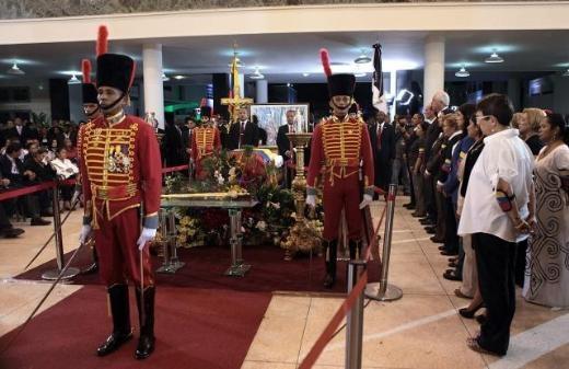 Hugo Chavez'e Muhteşem Uğurlama 5