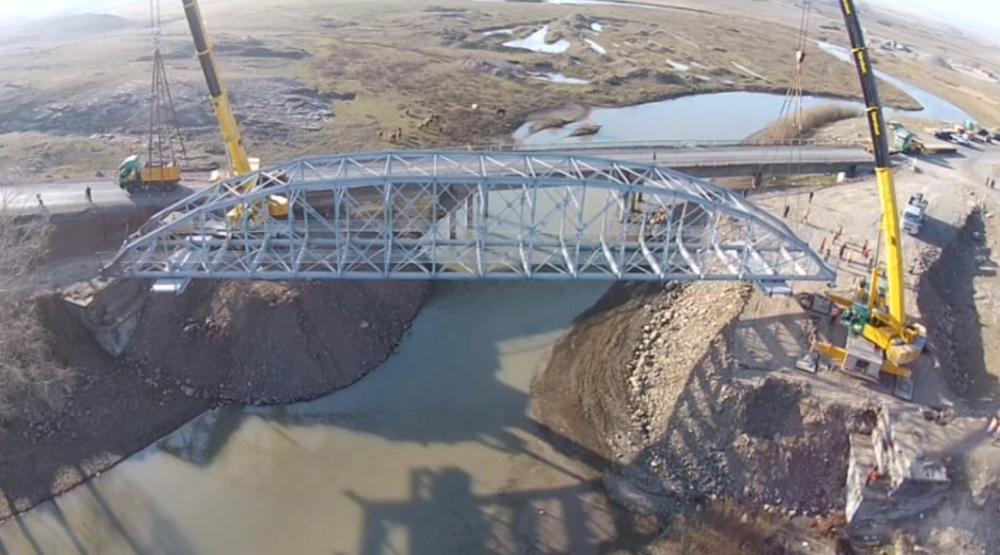 Tarihi Köprünün Tırla Yolculuğu 1