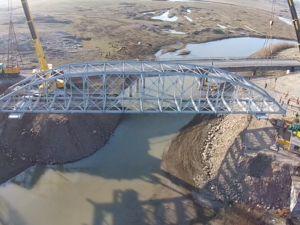 Tarihi Köprünün Tırla Yolculuğu