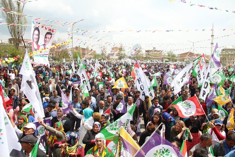 Kars'ta HDP'nin Miting Coşkusu 1