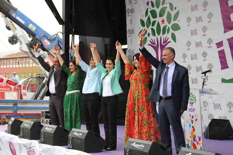 Kars'ta HDP'nin Miting Coşkusu 11