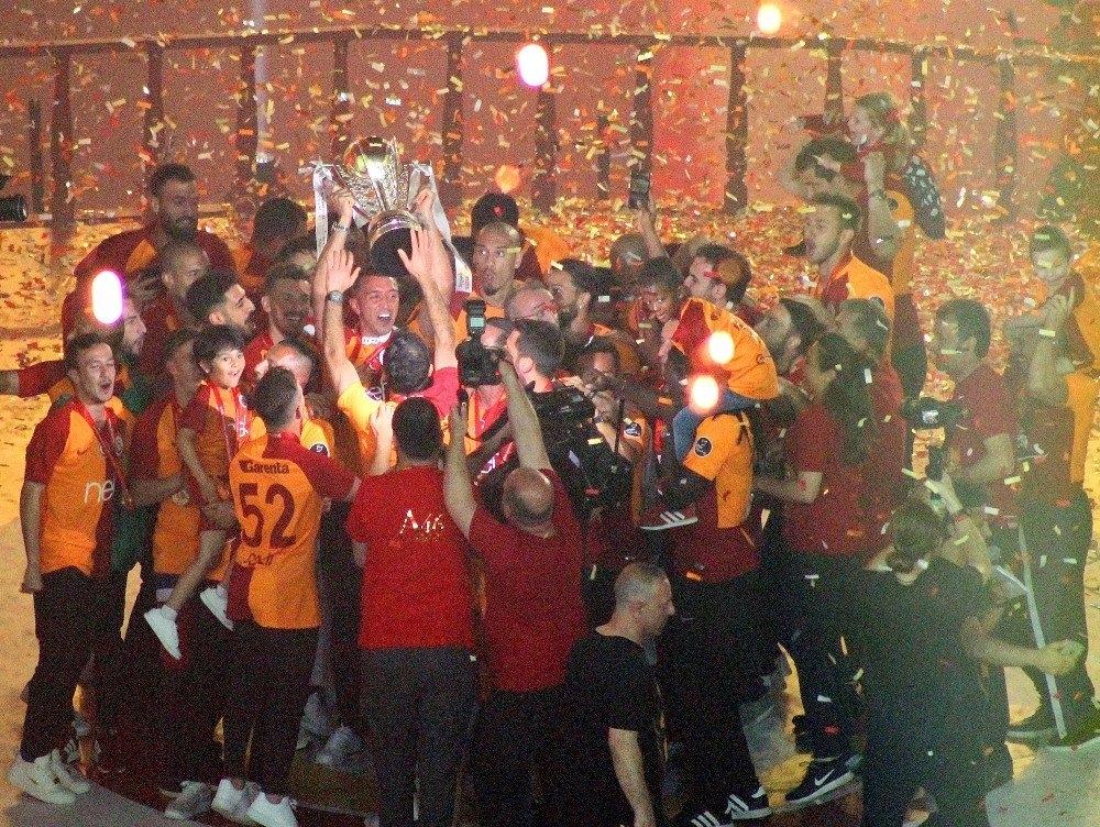 Şampiyon Galatasaray 25
