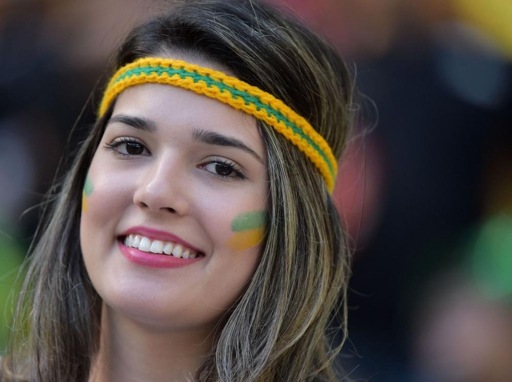FİFA'dan TV'lere Güzel Kadın Uyarısı 15