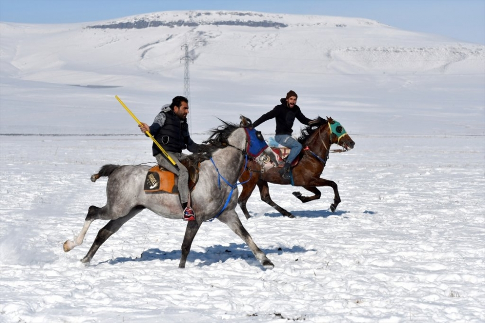 Kar Üstünde 'Cirit' 3