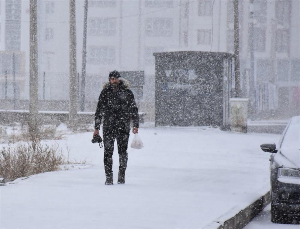 Baharı Beklerken Kış Yeniden Geldi 12