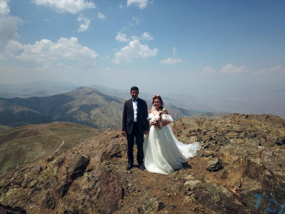 Dağcı Çift 'Zirve'de Nikah Kıydı 16