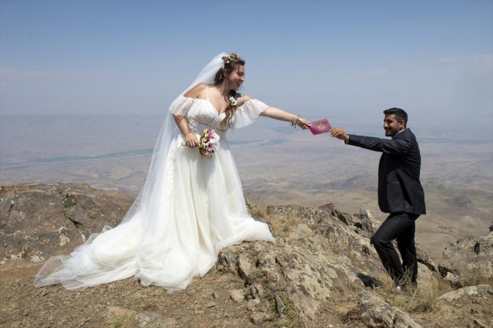 Dağcı Çift 'Zirve'de Nikah Kıydı 17
