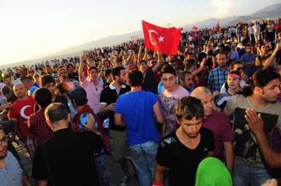 İzmir'de Gezi Parkı Coşkusu 1