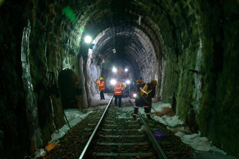 'Demiryolu İşçileri'nin Güncesi 10