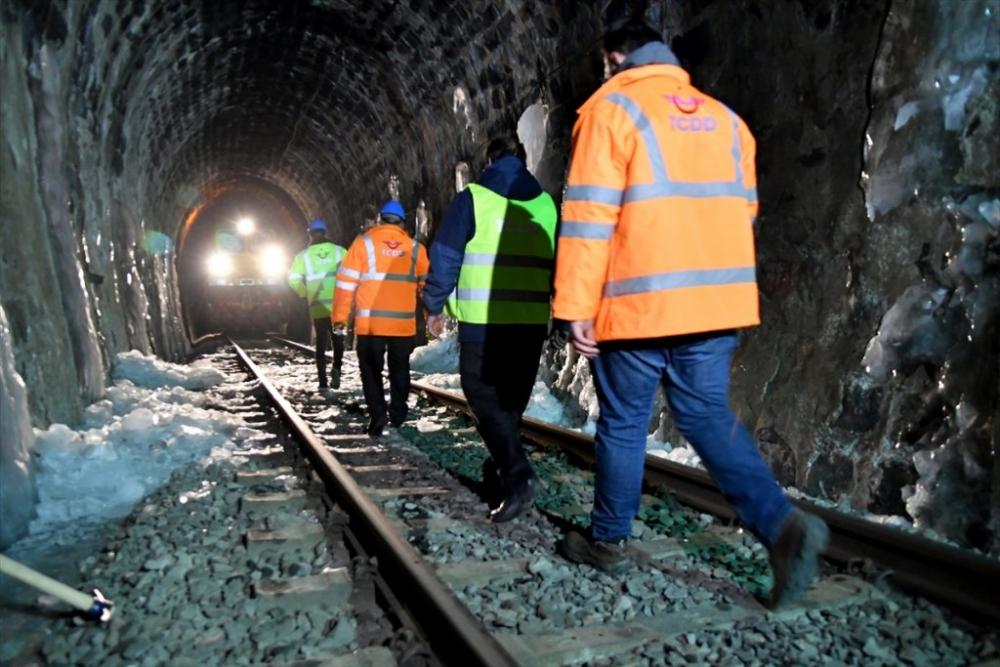 'Demiryolu İşçileri'nin Güncesi 8