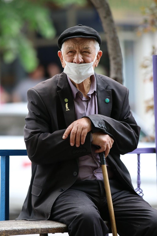 '65 Yaş Üstü'ne Sokak İzni 15