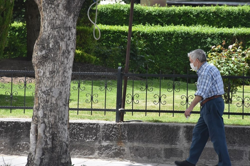 '65 Yaş Üstü'ne Sokak İzni 9