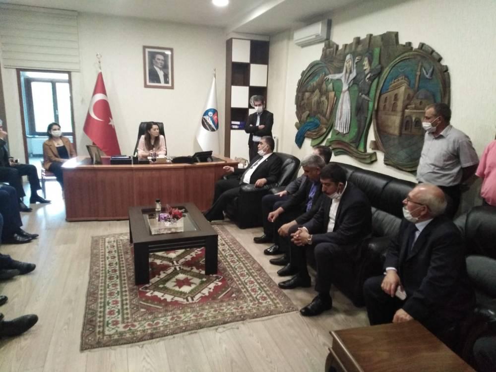 CHP'li Vekiller Kars'a Çıkarma Yaptı 13