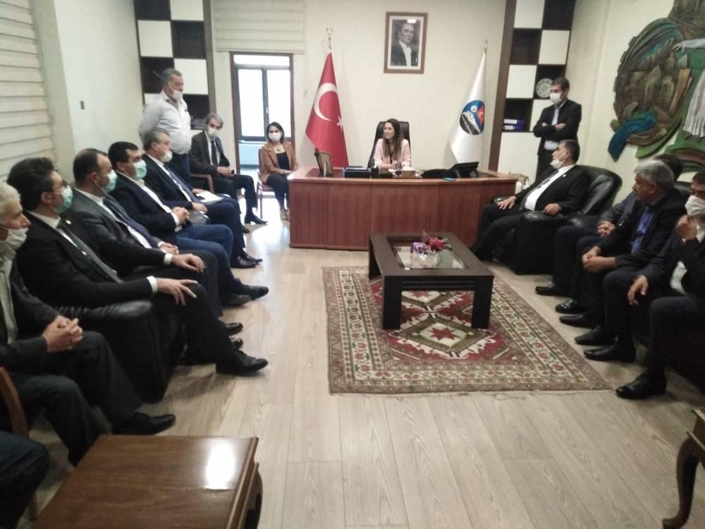 CHP'li Vekiller Kars'a Çıkarma Yaptı 15