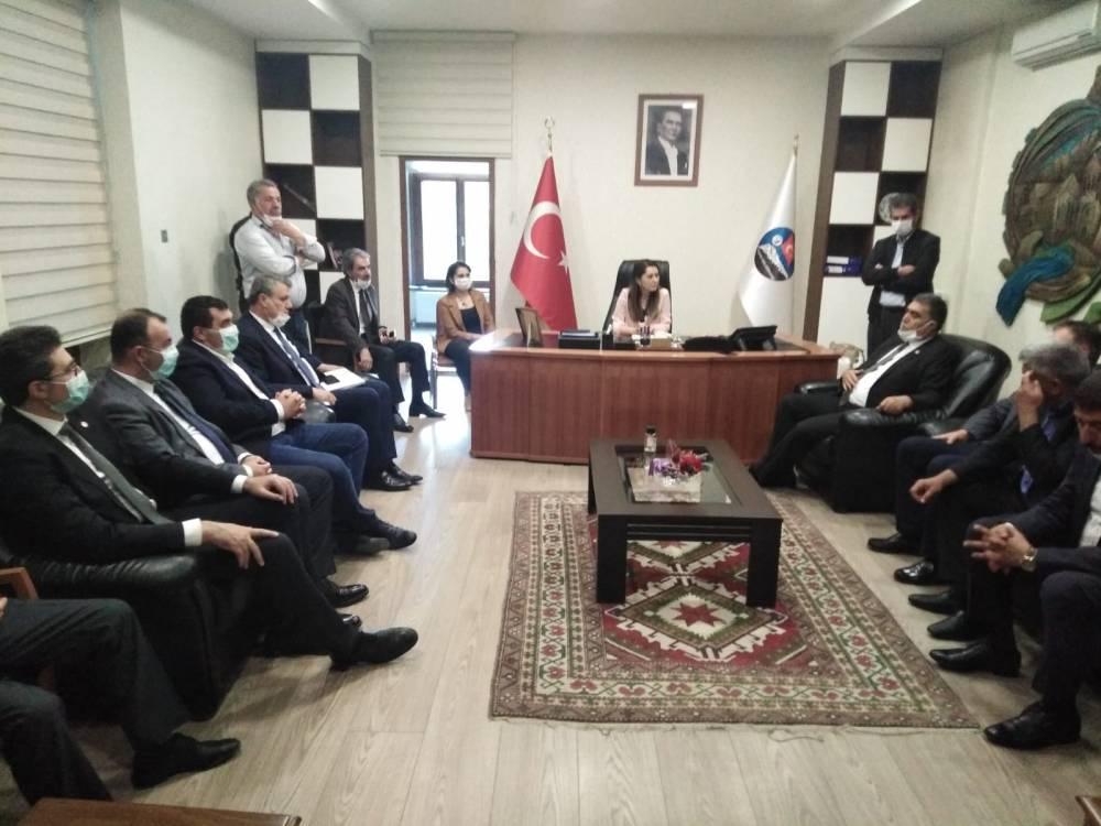 CHP'li Vekiller Kars'a Çıkarma Yaptı 16