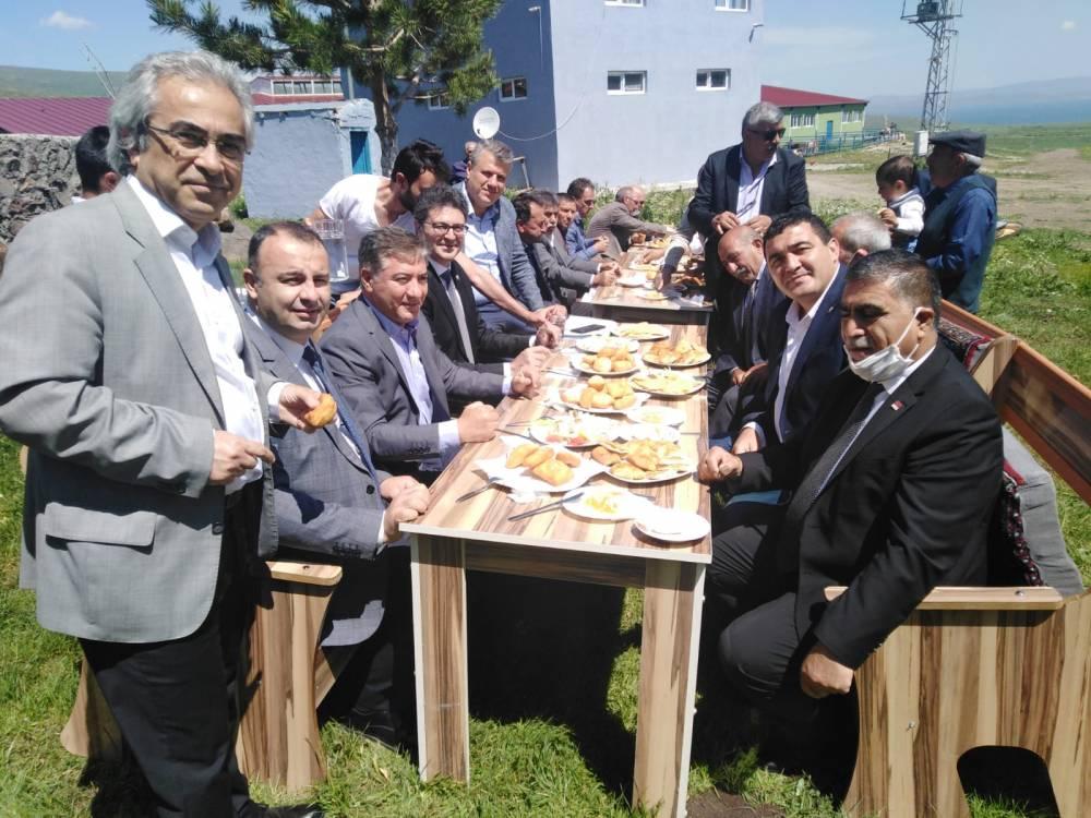 CHP'li Vekiller Kars'a Çıkarma Yaptı 32