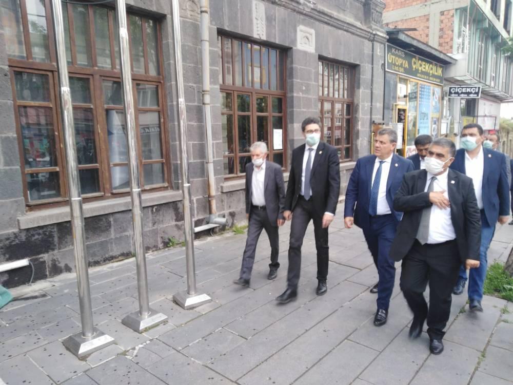 CHP'li Vekiller Kars'a Çıkarma Yaptı 5