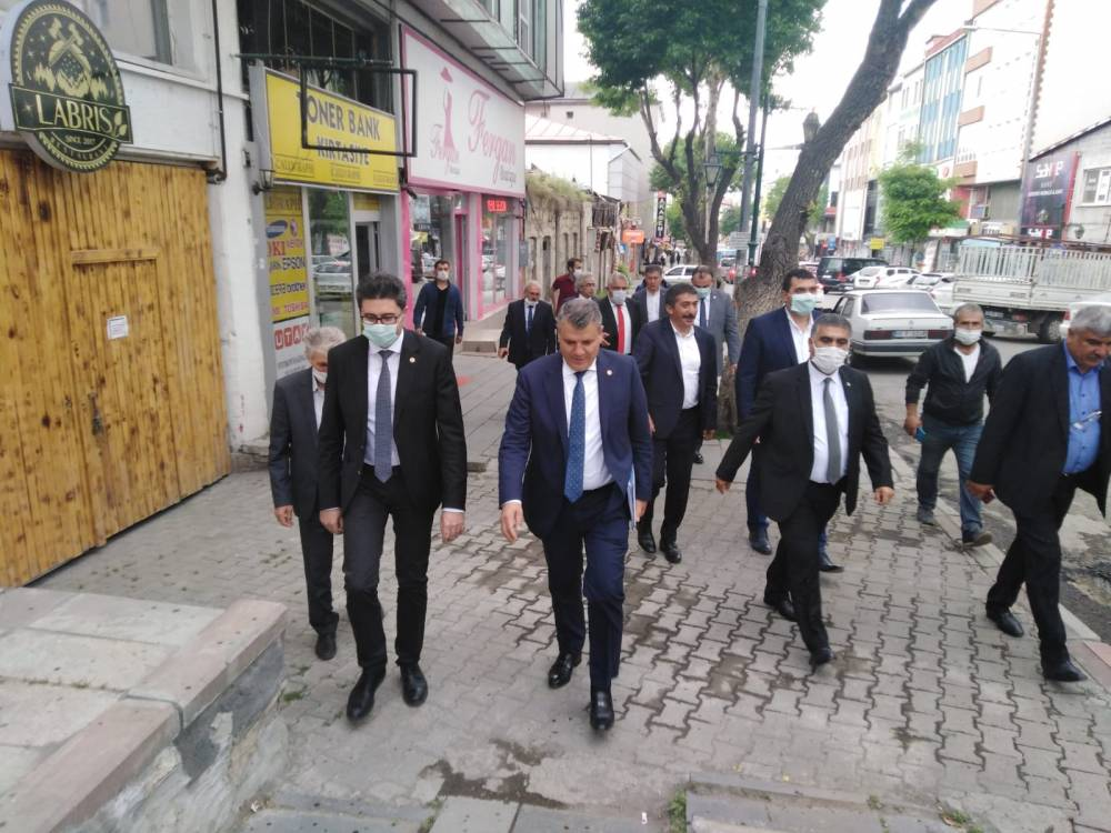CHP'li Vekiller Kars'a Çıkarma Yaptı 8