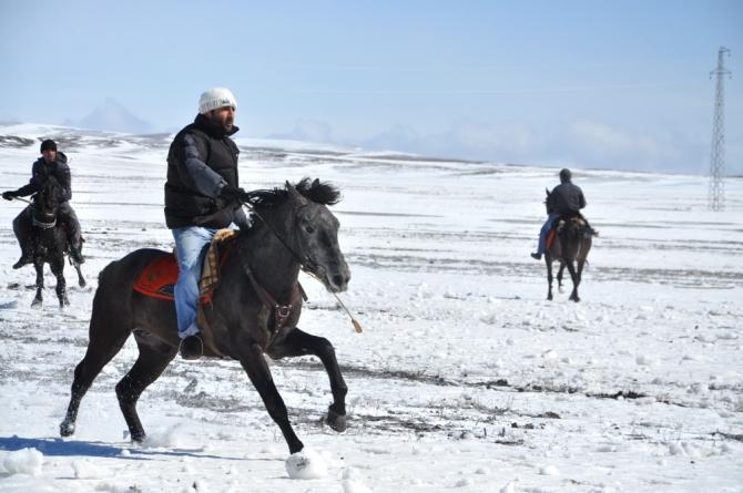 """Ciritçi""ler Rüzgarla Yarıştı 4"