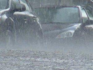 Kars'ta Sağanak Yağmur Hayatı Olumsuz Etkiliyor