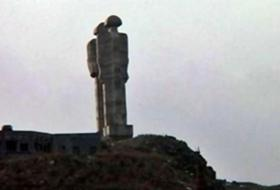 İnsanlık Anıtı İçin Karsta EYLEM