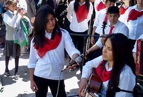 Liseli Öğrencilerden Gençlik KONSERİ