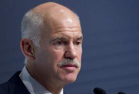 Papandreou Saygı ve Acil Para İSTEDİ