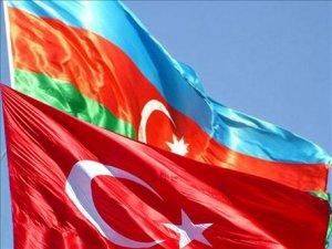 Azeri Konsolos Kars'a Ağaç Dikiyor