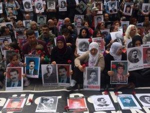 Cumartesi Anneleri Ermeni Soykırımı Kurbanlarını Andı