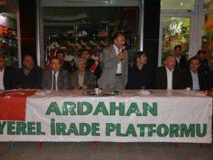 Ardahan'da Darbeye Karşı Bildiri İçin Toplandılar