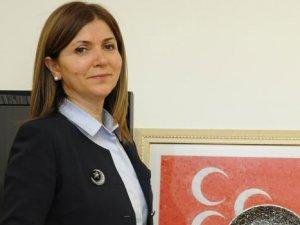MHP'de Zuhal Topçu İstifa Etti