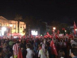 İzmir'de Demokrasi Nöbeti 22'inci Gününde
