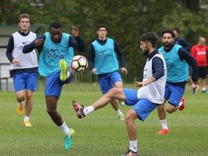 Bero ve İbenez, Trabzonspor İle İlk Antrenmanına Çıktı