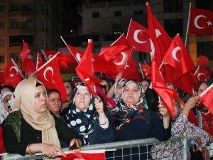 Kilis'te Demokrasi Ve Şehitler Mitingi Sona Erdi
