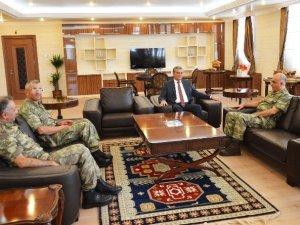 Tümgeneral Özoğlu'dan Vali Özefe'ye Ziyaret